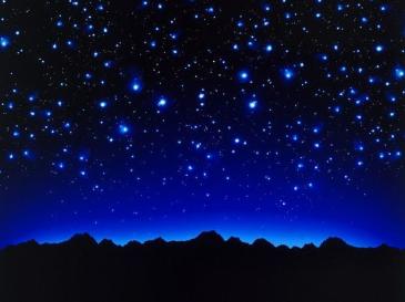 È come guardare il cielo stellato in una limpida notte di agosto.  All'inizio siamo colpiti da una moltitudine di caotici puntini luminosi, poi però guardando meglio, con più attenzione, cominciamo a scorgere delle forme, delle relazioni tra punti luminosi, delle aggregazioni di stelle che danno vita a figure, a costellazioni. E allora possiamo dar loro un nome, un senso, una storia.    http://feliciapelagalli.nova100.ilsole24ore.com/2016/03/16/la-cultura-del-dato/